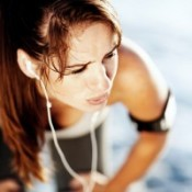 woman with ipod working out